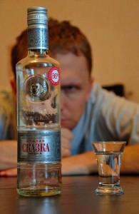 похмелье, головной мозг, алкоголизм, потребление алкоголя в России, ja-rus