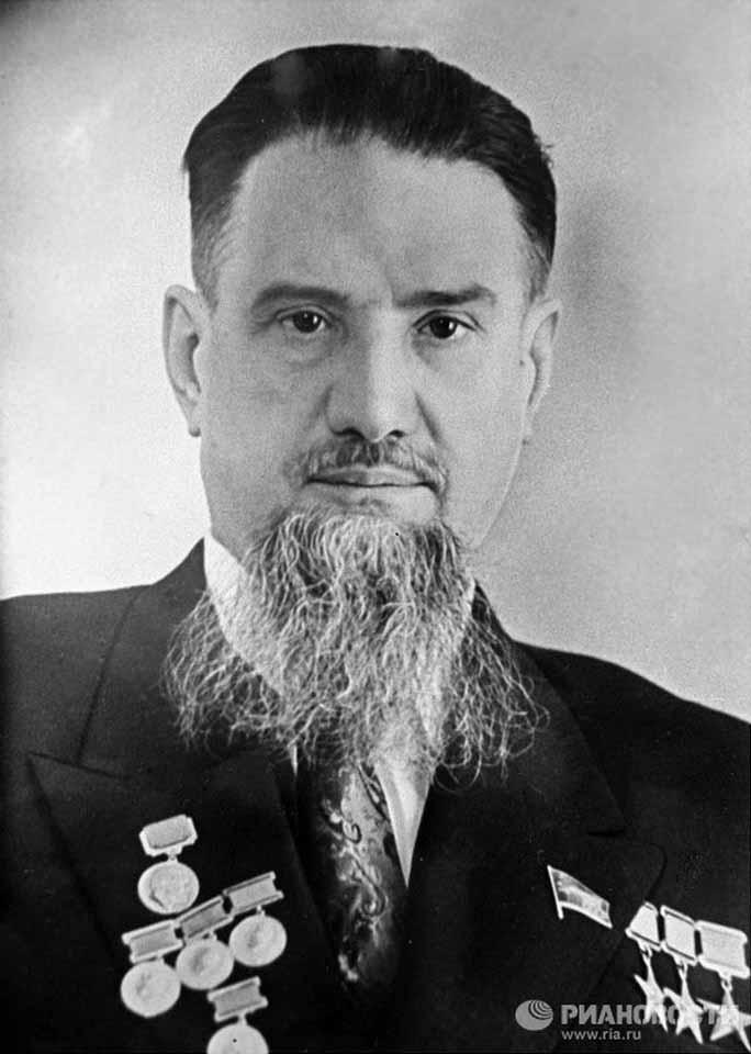 И.В.Курчатов, Трижды Герой Социалистического Труда (1949, 1951, 1954), Кавалер пяти Орденов Ленина